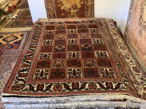 Vintage persisk Bachtari tæppe, med have motiv